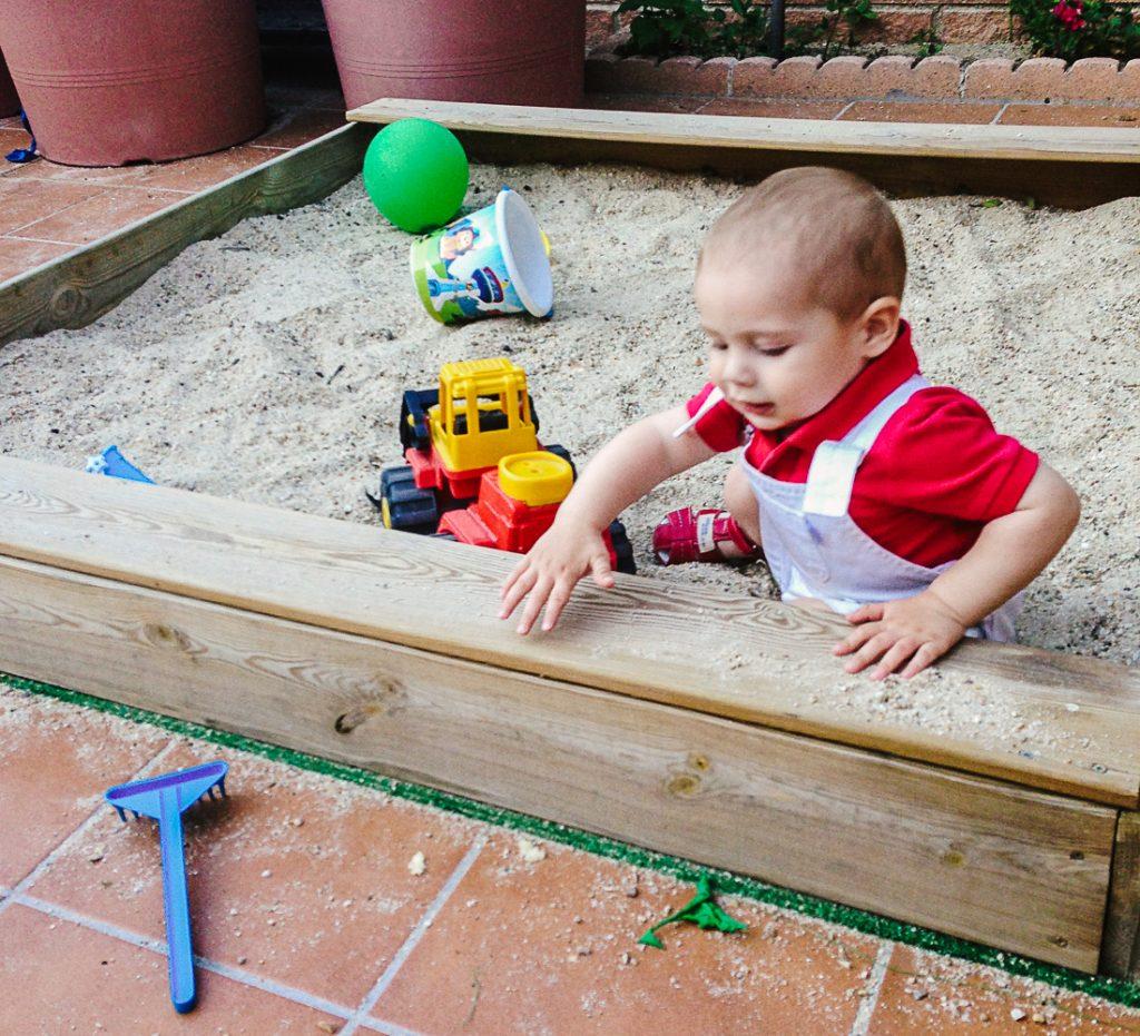 Beneficios de jugar con agua y arena